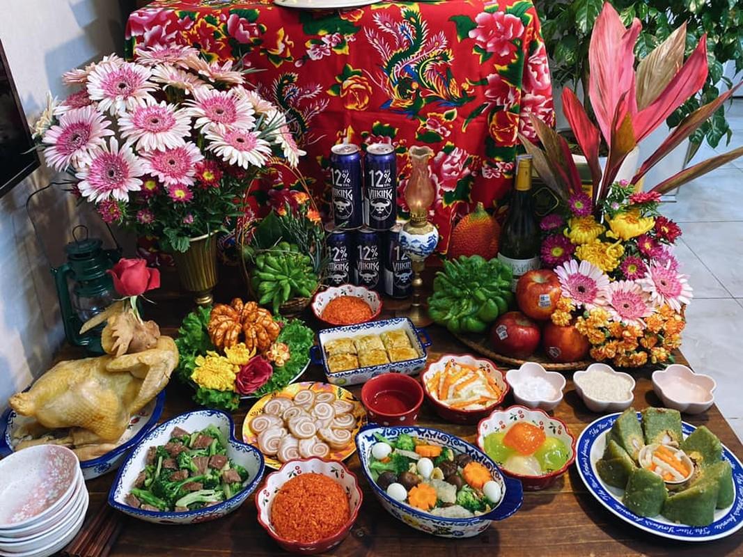 """Chi em """"dam"""" khoe mam co cung ong Tao, dan mang nguong mo"""