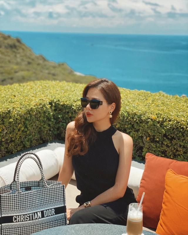 Khoe nhe goc nha, hot girl Phanh Lee gay choang vi do xa hoa-Hinh-11