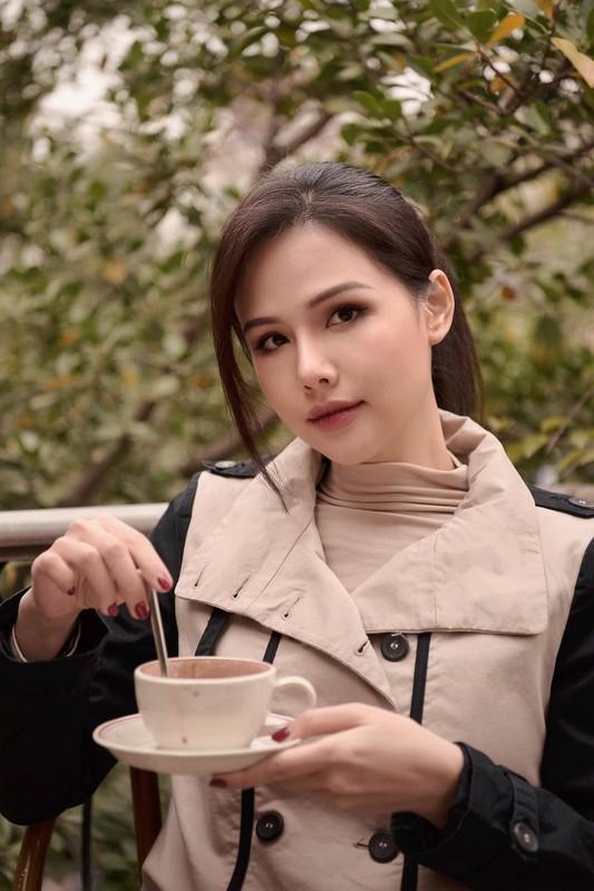 Khoe nhe goc nha, hot girl Phanh Lee gay choang vi do xa hoa-Hinh-2