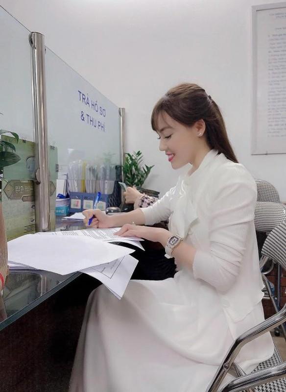 Au Ha My lien tuc khoe gia san khung sau nua nam ly hon-Hinh-3