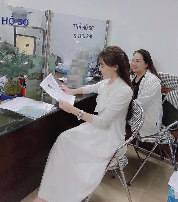 Au Ha My lien tuc khoe gia san khung sau nua nam ly hon-Hinh-4