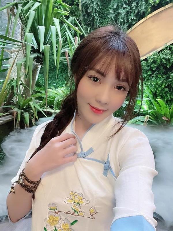Au Ha My lien tuc khoe gia san khung sau nua nam ly hon-Hinh-8