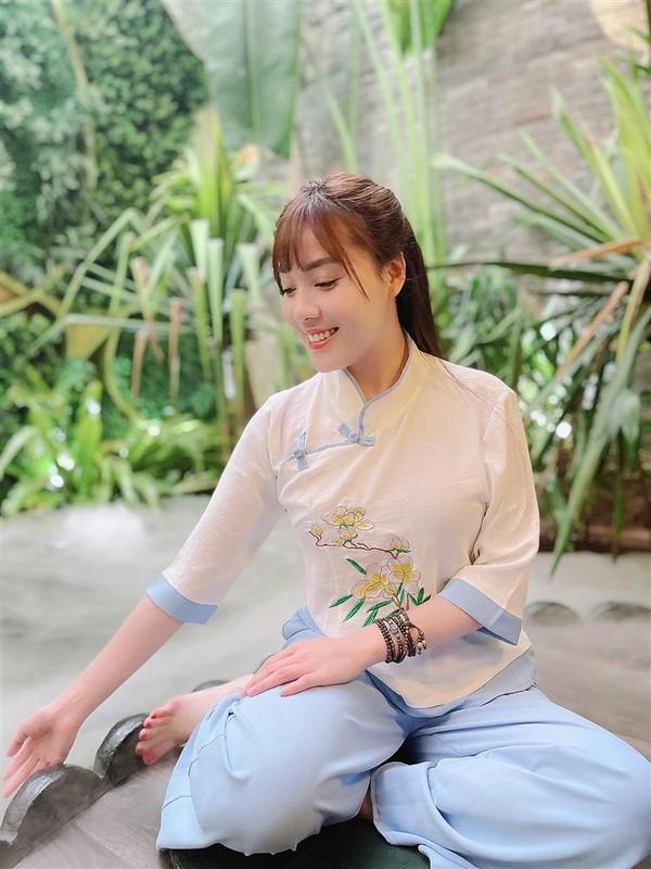 Au Ha My lien tuc khoe gia san khung sau nua nam ly hon-Hinh-9