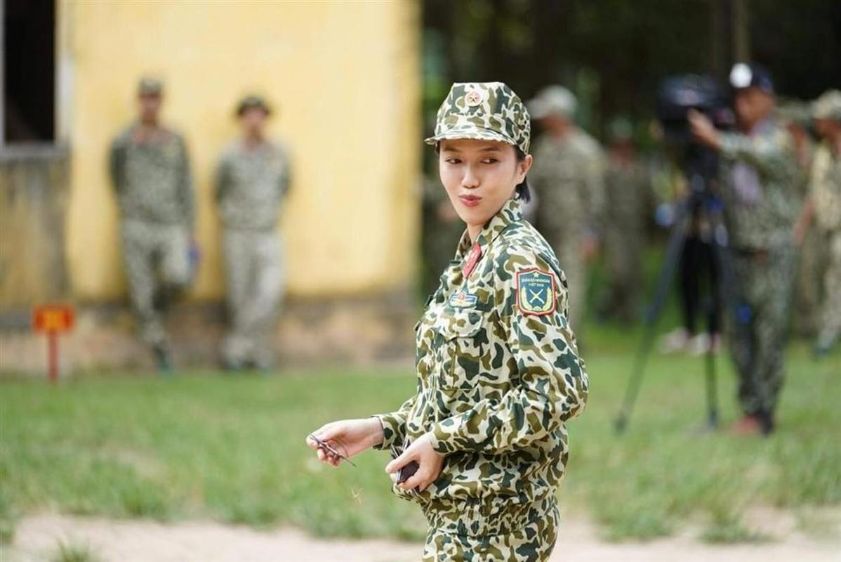 """He lo lai lich """"thanh comment"""" Ham Huong dang dan kien Dieu Nhi-Hinh-3"""