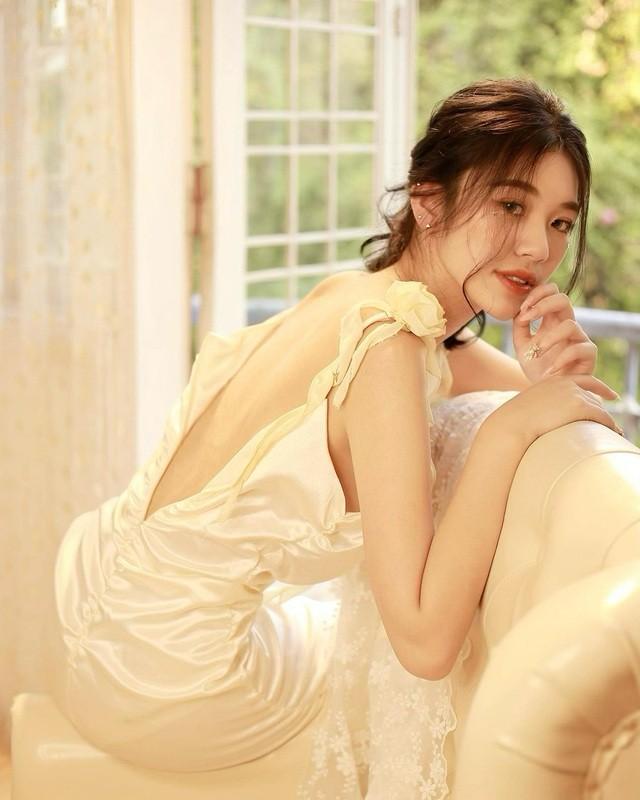Lo danh tinh gai xinh xuat hien o Tao Quan 2021 gay sot mang-Hinh-7