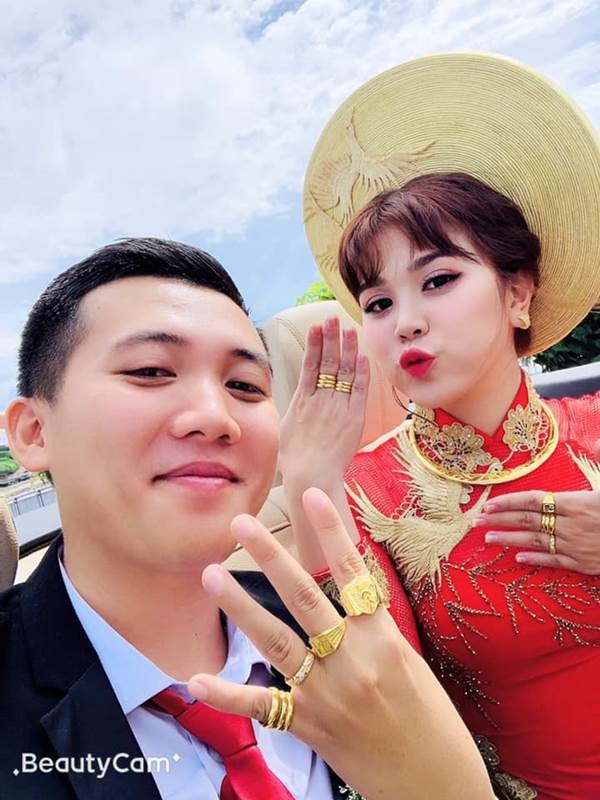 """Thanh to tinh"" dinh dam mang xa hoi 8 nam truoc gio ra sao?-Hinh-7"