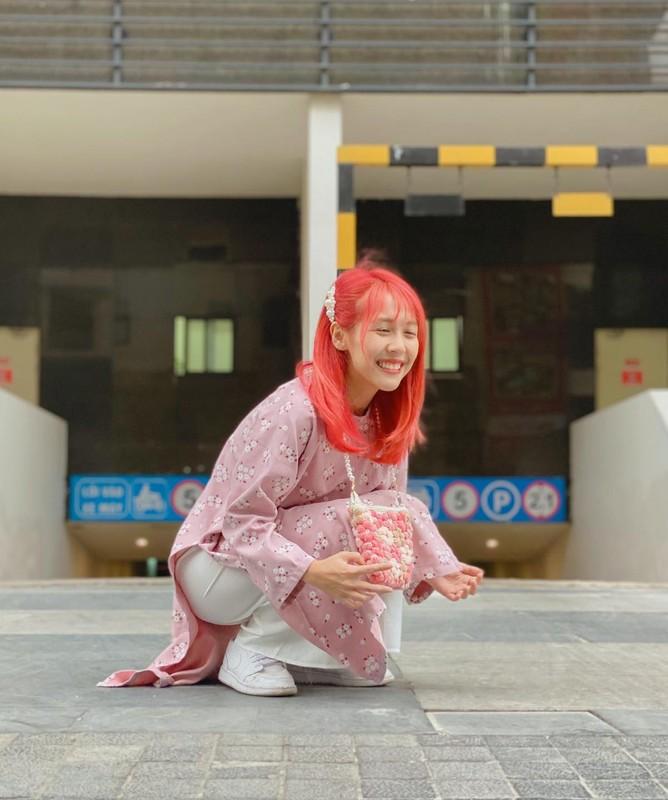 """Hau Hoang """"be lai"""" dien ao dai va cai ket bi """"nem da""""-Hinh-7"""