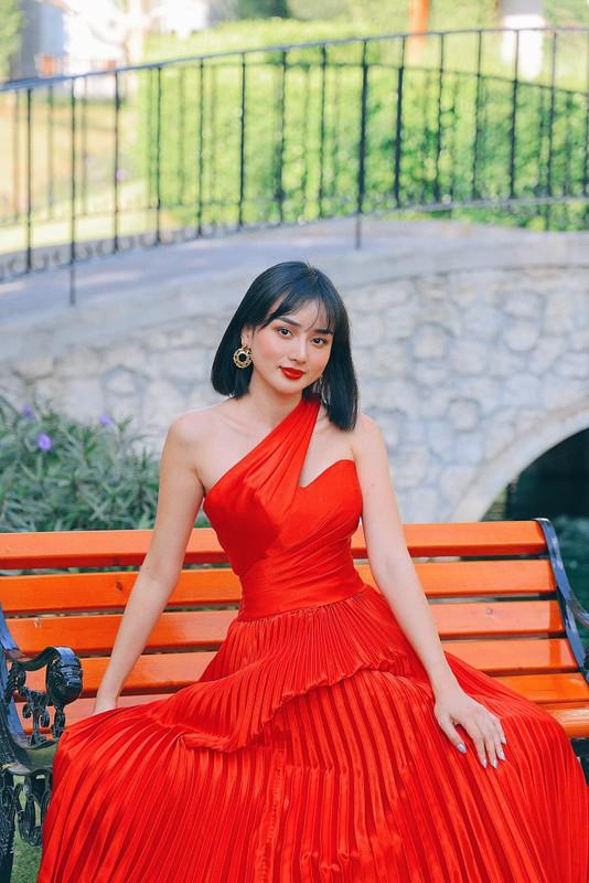 Lo mat chong dai gia, hot girl tham my khang dinh so huong-Hinh-2