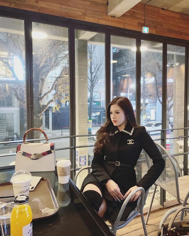 Sang chanh chang kem chi, em gai Huyen Baby chiem song mang xa hoi-Hinh-5
