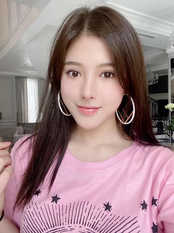Sang chanh chang kem chi, em gai Huyen Baby chiem song mang xa hoi-Hinh-6