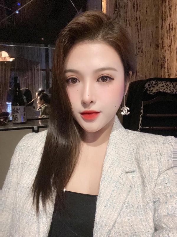 Sang chanh chang kem chi, em gai Huyen Baby chiem song mang xa hoi-Hinh-7