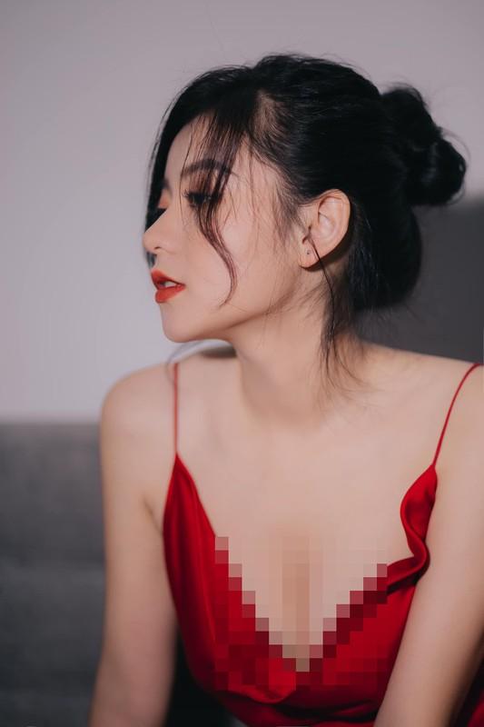 "Hot girl than hinh ""cang mong"" duoc san lung thong tin la ai?-Hinh-6"