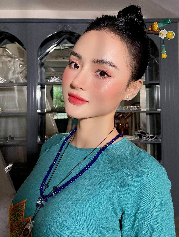 Nhan sac thang hang, em gai Angela Phuong Trinh khien fan ngay ngat-Hinh-9