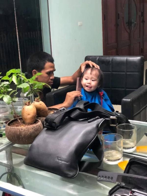 """""""Sieu nhan doi thuong"""" Nguyen Ngoc Manh va khoanh khac ben con cuc yeu-Hinh-5"""