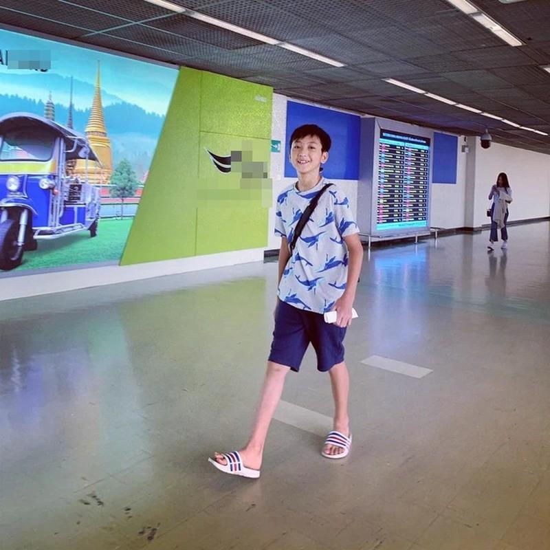 Em trai Kha Ngan lo dien, netizen khang dinh hot boy moi la day-Hinh-2
