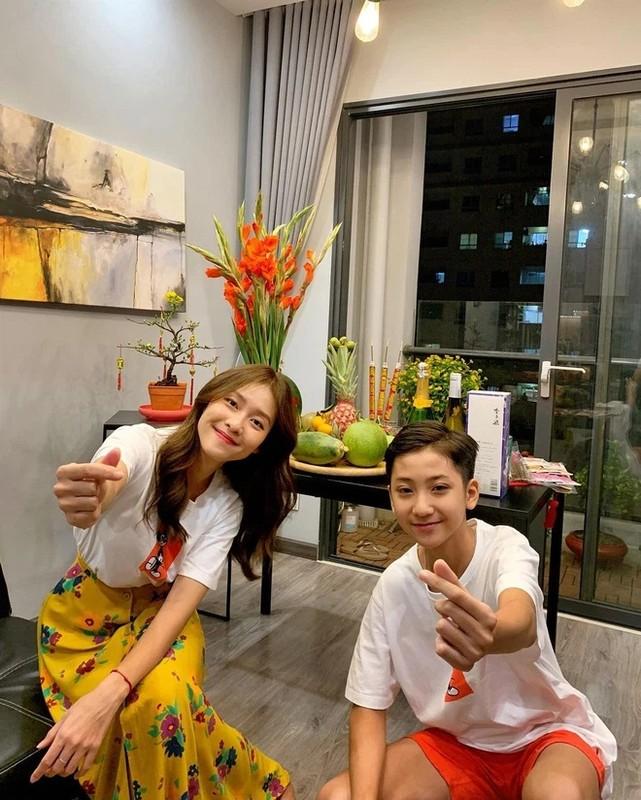 Em trai Kha Ngan lo dien, netizen khang dinh hot boy moi la day-Hinh-3