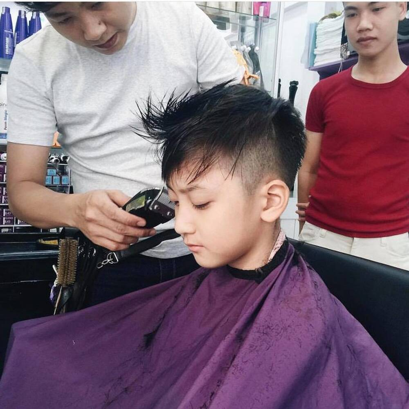 Em trai Kha Ngan lo dien, netizen khang dinh hot boy moi la day-Hinh-9