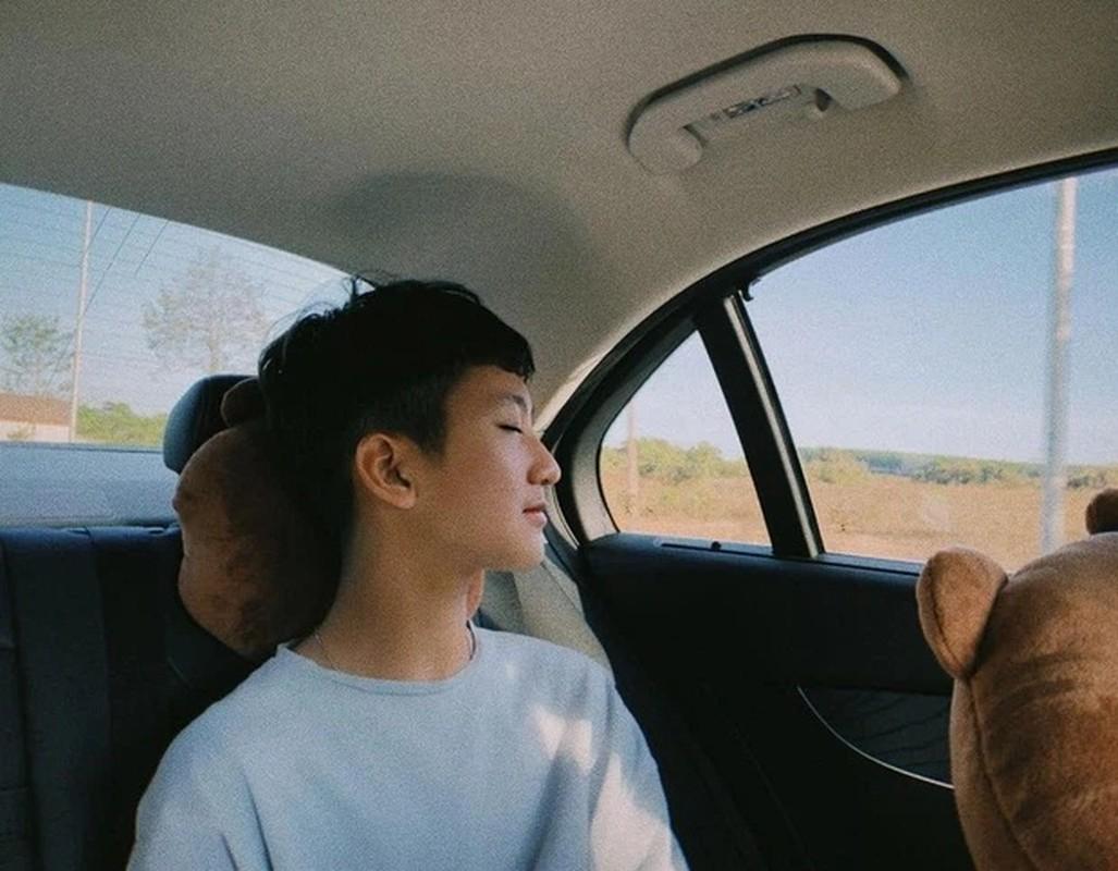 Em trai Kha Ngan lo dien, netizen khang dinh hot boy moi la day