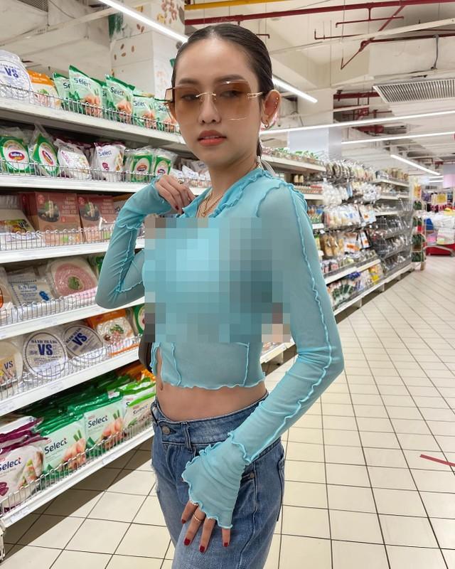 Thuy Vi dien ao xuyen thau, netizen de lai binh luan trai chieu-Hinh-5
