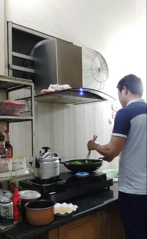 """Chong """"co dau 62 tuoi"""" lo guong mat khien netizen nga ngua-Hinh-6"""