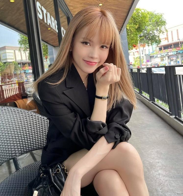 Chung khung hinh, hot girl Sam va Thieu Bao Cham do nhan sac