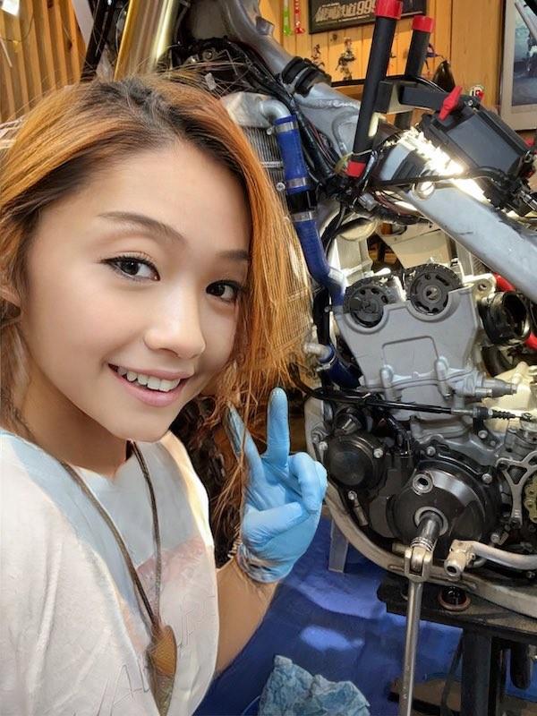 "Lo nhan sac that, ""nu than motor"" khien fan chet lang-Hinh-2"