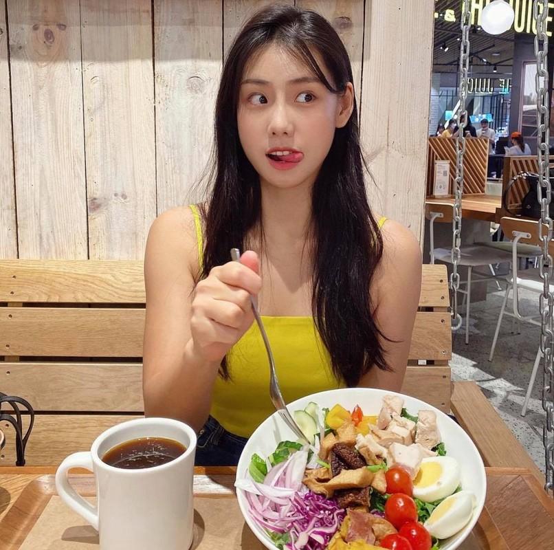 """""""Co giao"""" me an khien fan nguong mo nho voc dang chuan hot girl-Hinh-2"""