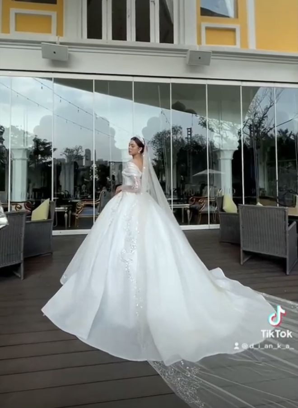 Dang anh tinh tu, Bui Tien Dung va ban gai duoc fan nhac kheo-Hinh-3