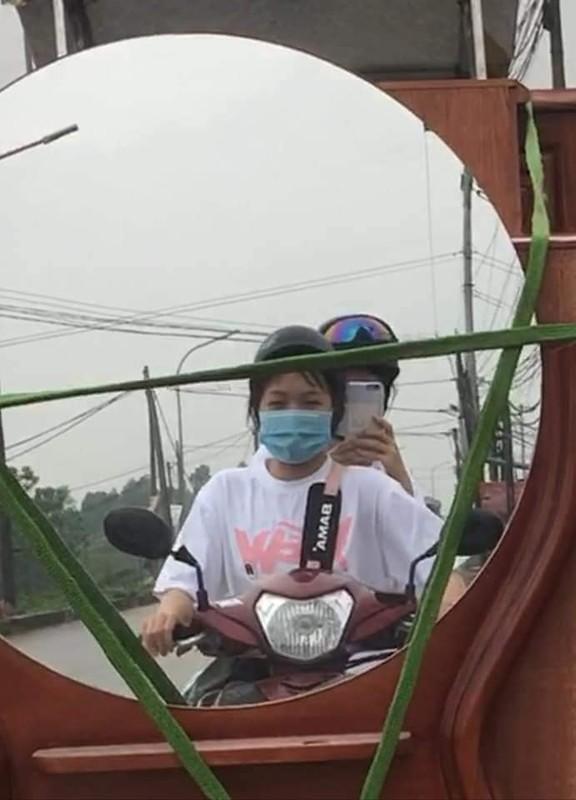 """""""Ba dao"""" nhung man chup anh ke chi co o duong pho Viet Nam-Hinh-8"""