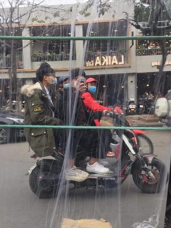 """""""Ba dao"""" nhung man chup anh ke chi co o duong pho Viet Nam-Hinh-9"""