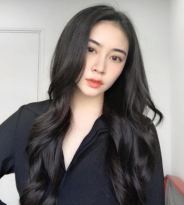 "Chan dung hot girl to thieu gia dinh dam ""phet lac"" vi 2 doi giay-Hinh-11"