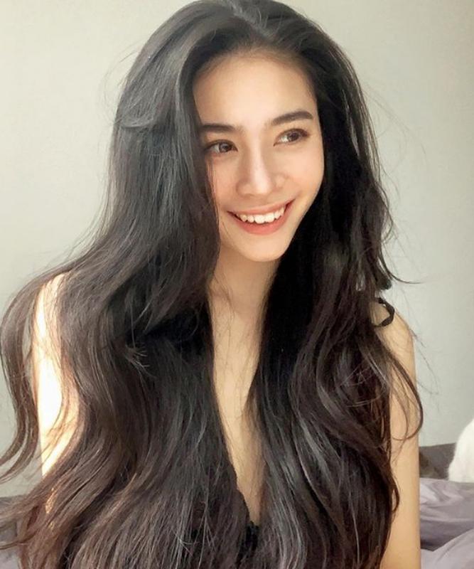 "Chan dung hot girl to thieu gia dinh dam ""phet lac"" vi 2 doi giay-Hinh-7"