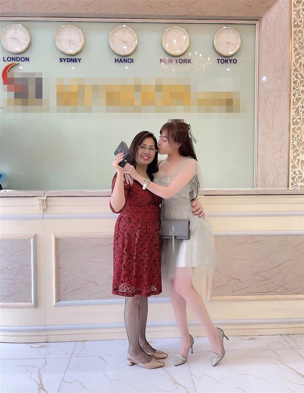 Au Ha My lien tuc khoe gia san khung sau 8 thang ly hon-Hinh-9