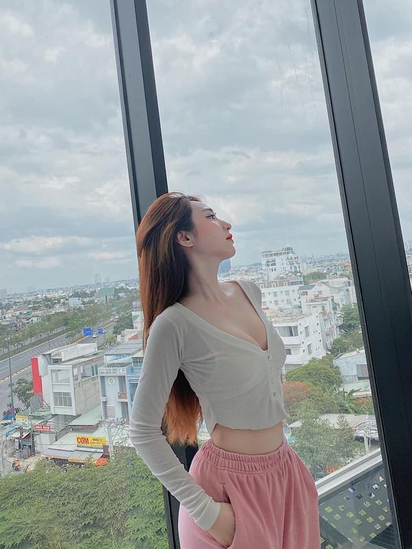 """Chia tay"" cau thu, nhan sac hot girl Sai Gon ngay mot len huong-Hinh-10"