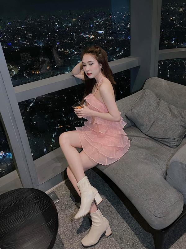 """Chia tay"" cau thu, nhan sac hot girl Sai Gon ngay mot len huong-Hinh-12"