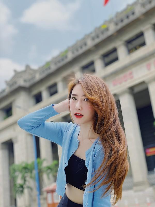 """Chia tay"" cau thu, nhan sac hot girl Sai Gon ngay mot len huong-Hinh-2"