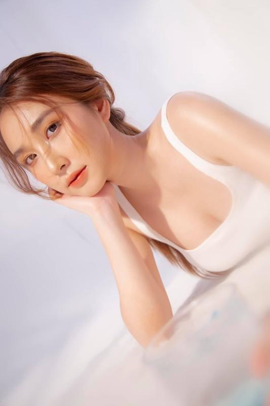 """Chia tay"" cau thu, nhan sac hot girl Sai Gon ngay mot len huong-Hinh-6"