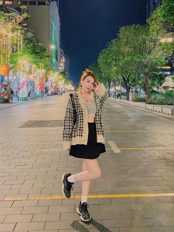 """Chia tay"" cau thu, nhan sac hot girl Sai Gon ngay mot len huong-Hinh-7"