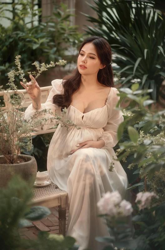 Thong bao mang thai, vo thieu gia Cocobay khoe nhan sac dinh cao-Hinh-10