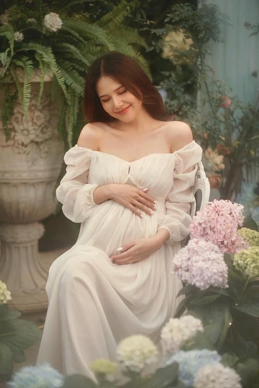 Thong bao mang thai, vo thieu gia Cocobay khoe nhan sac dinh cao-Hinh-12