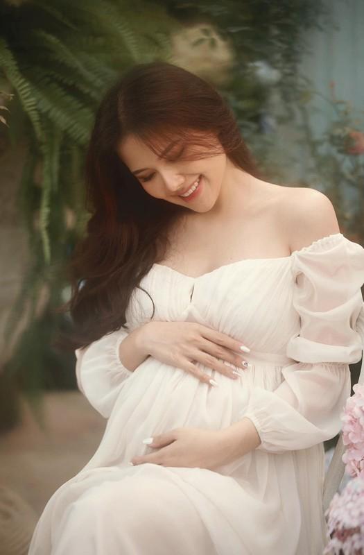 Thong bao mang thai, vo thieu gia Cocobay khoe nhan sac dinh cao-Hinh-5