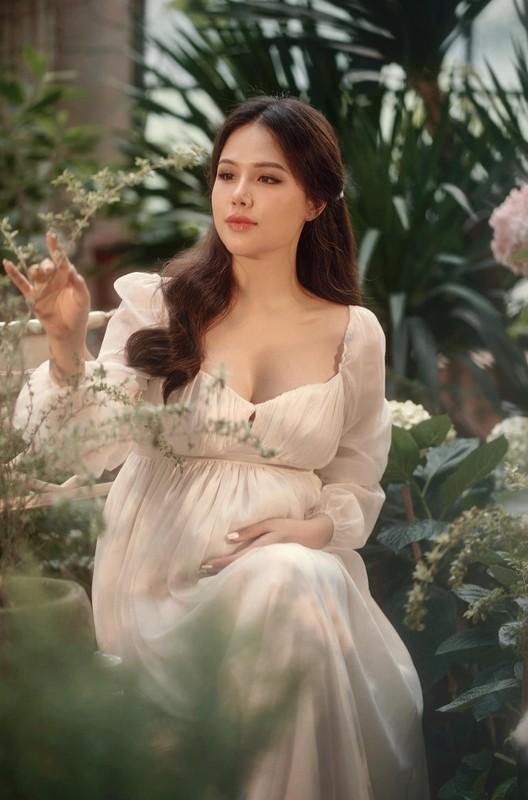 Thong bao mang thai, vo thieu gia Cocobay khoe nhan sac dinh cao-Hinh-6