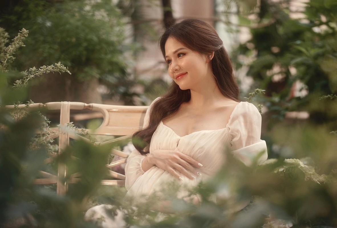 Thong bao mang thai, vo thieu gia Cocobay khoe nhan sac dinh cao-Hinh-9