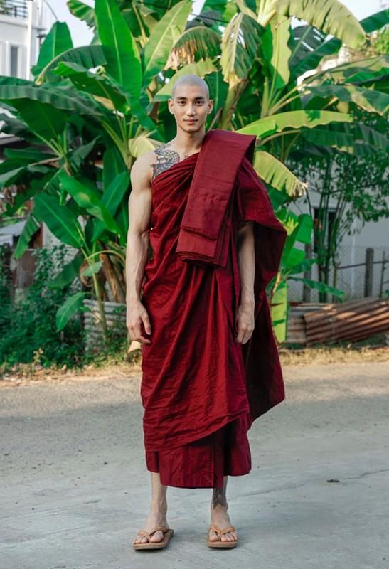 Nhan sac dep nhu tac cua nam than Myanmar mac ao nha su