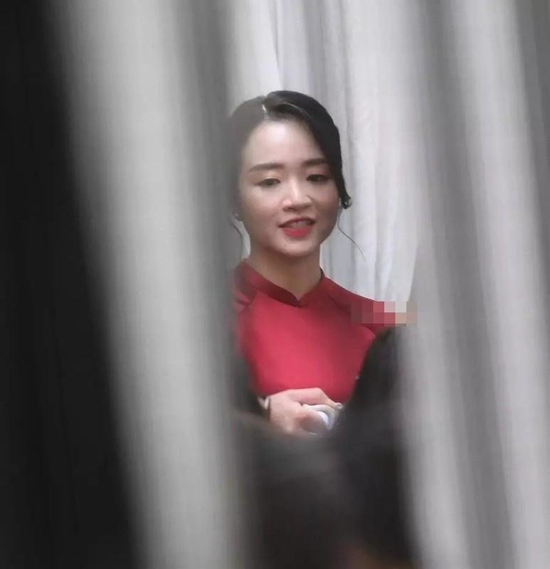 Lo anh the, vo Luong Xuan Truong khien netizen choang vang voi sac voc-Hinh-3