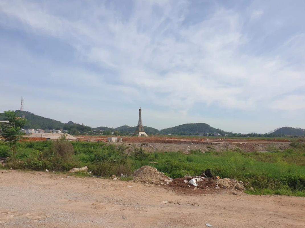 Tuong Nu than Tu do xuat hien o Viet Nam, netizen cuoi nghieng nga-Hinh-8