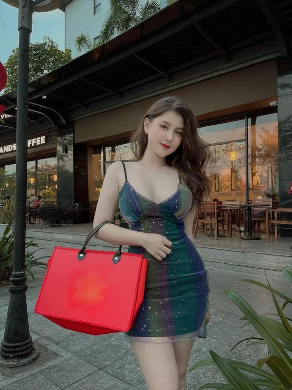 """Chuong phong cach """"chin ep"""", hot girl lai Viet - My quyen ru van phan-Hinh-9"""