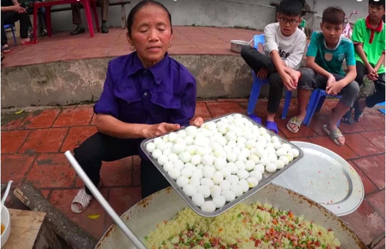 """Com rang tran chau"" va nhung mon an kho hieu cua Ba Tan Vlog-Hinh-2"