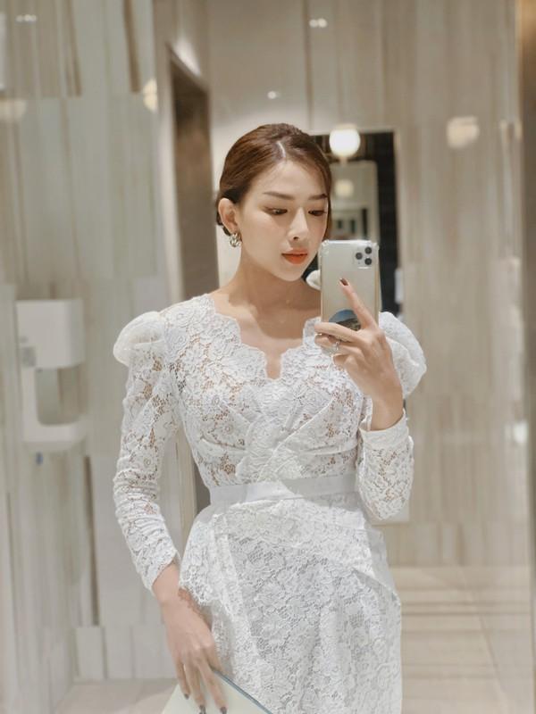 Nhan sac co vo chuan hot girl van nguoi me cua Phan Manh Quynh-Hinh-10