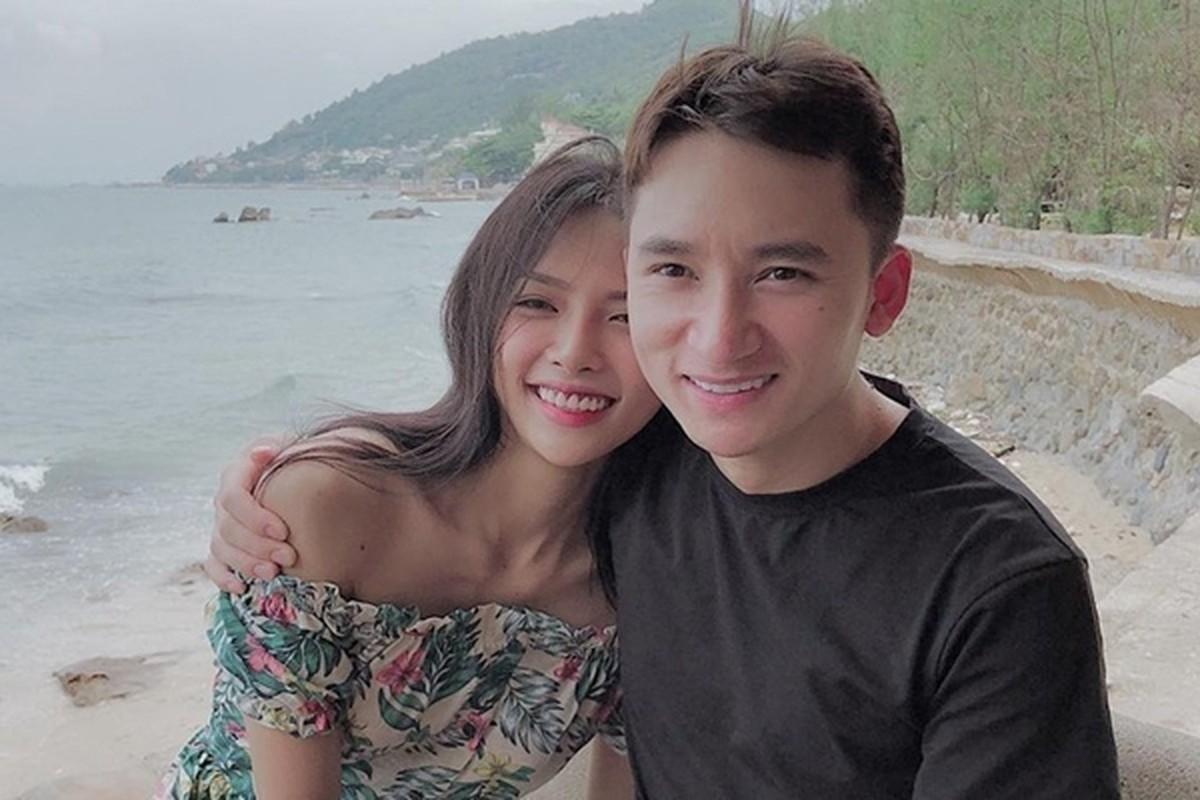 Nhan sac co vo chuan hot girl van nguoi me cua Phan Manh Quynh